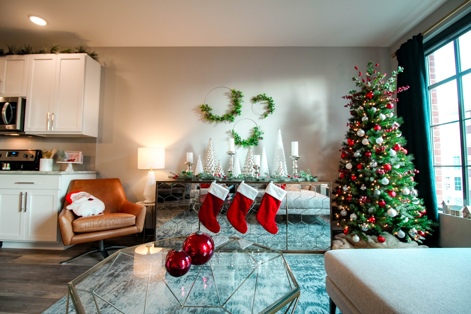 Lc 5 Tips For Decorating Your Apartment This Holiday Season Blog