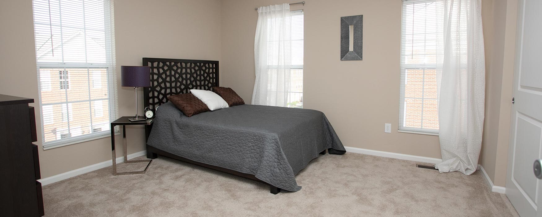LC Hamburg Farms | Lexington Apartments | Regency I Bedroom