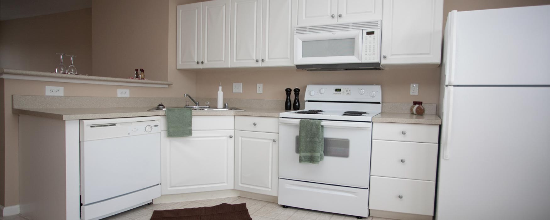 LC Hamburg Farms | Lexington Apartments | Stanton I Kitchen