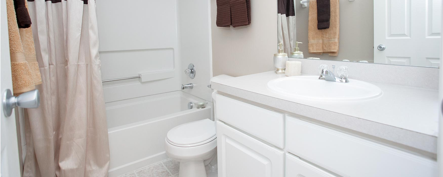 LC New Albany Park | New Albany Apartments | Bentley III Bathroom