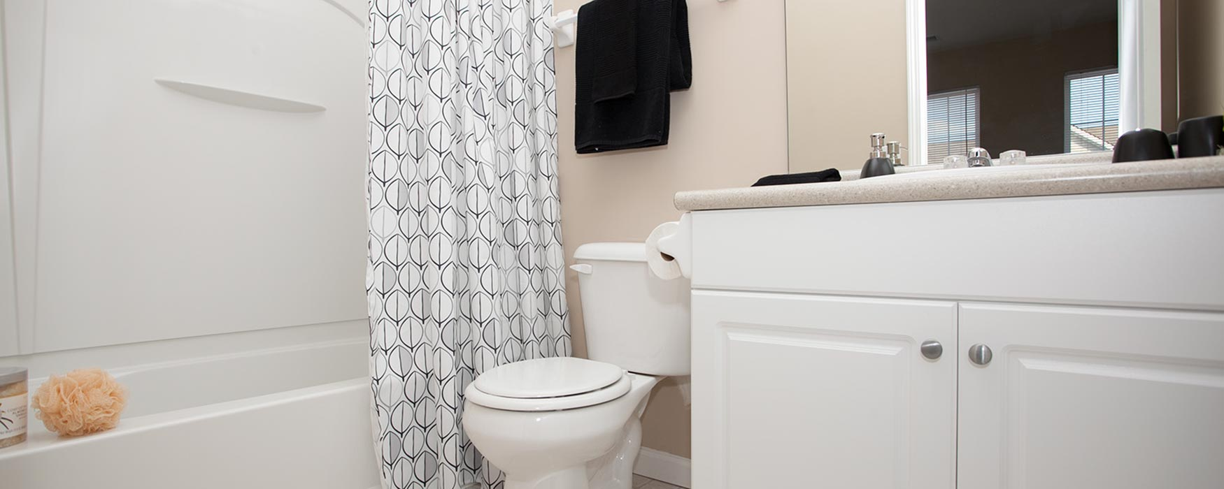 LC New Albany Park | New Albany Apartments | Bentley I Bathroom