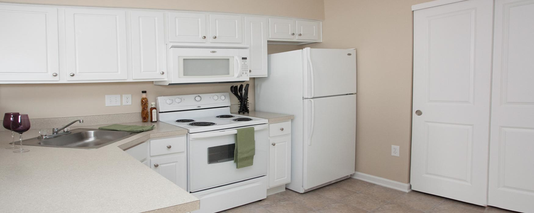 LC New Albany Park | New Albany Apartments | Bentley I Kitchen
