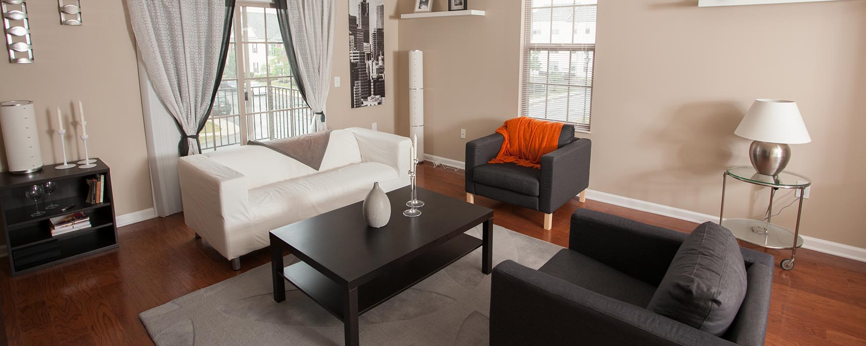 LC New Albany Park | New Albany Apartments | Stansbury Town Living Area