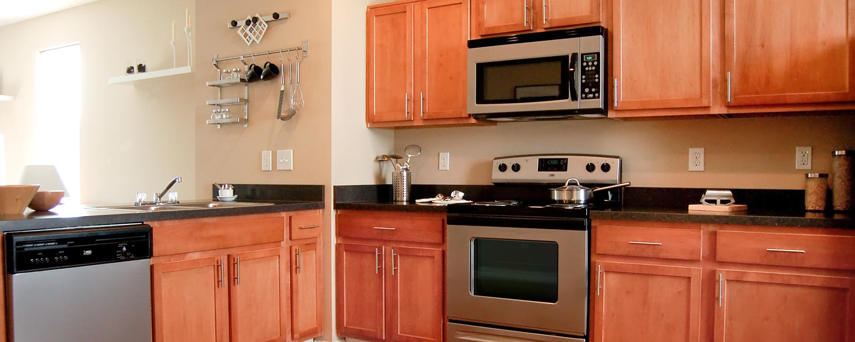 LC New Albany Park | New Albany Apartments | Stansbury Town Kitchen
