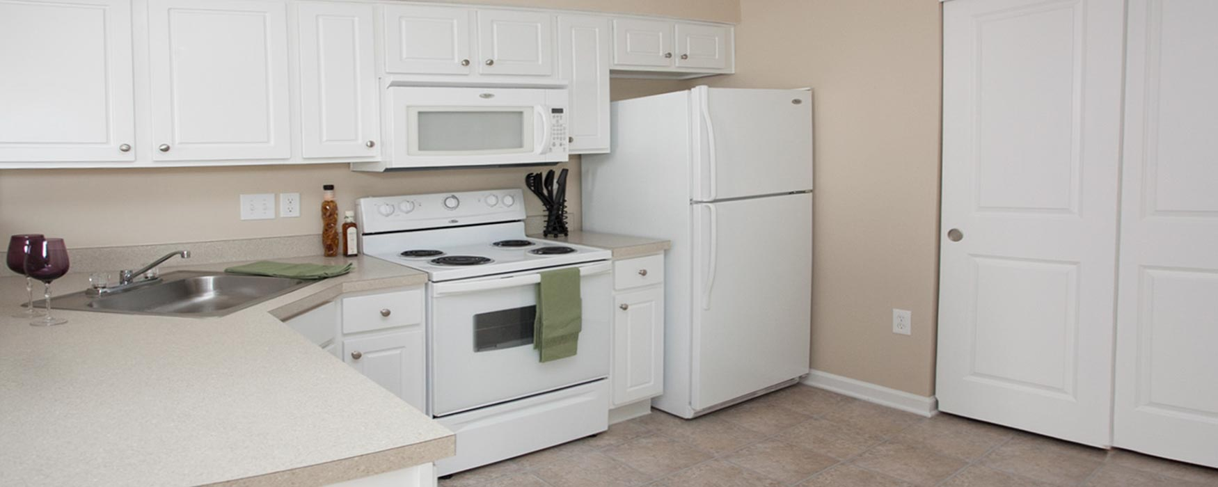 LC Preserve Crossing | Gahanna Apartments | Bentley I Kitchen