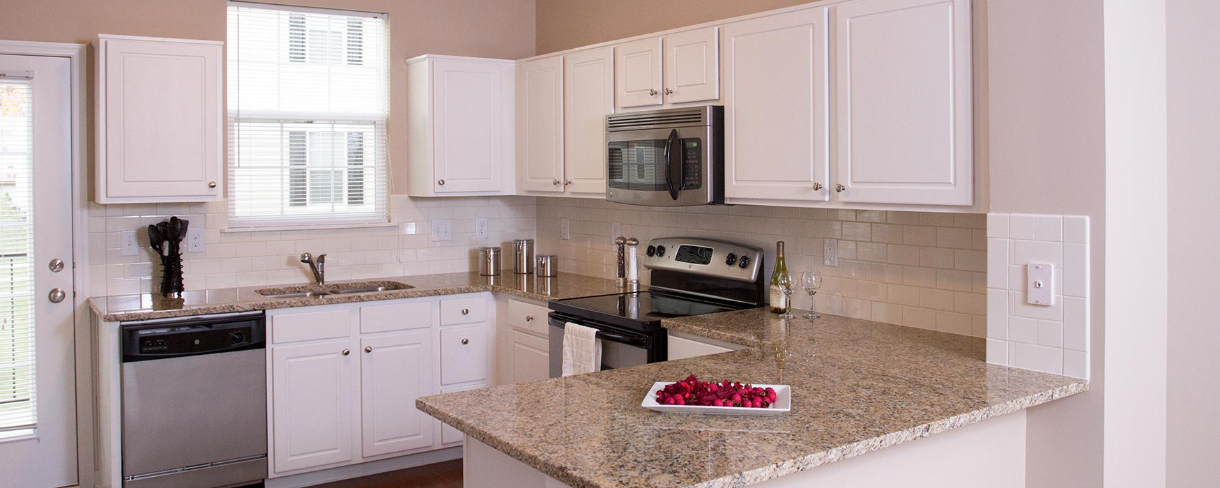 LC Preserve Crossing   Gahanna Apartments   Stansbury Plus Kitchen