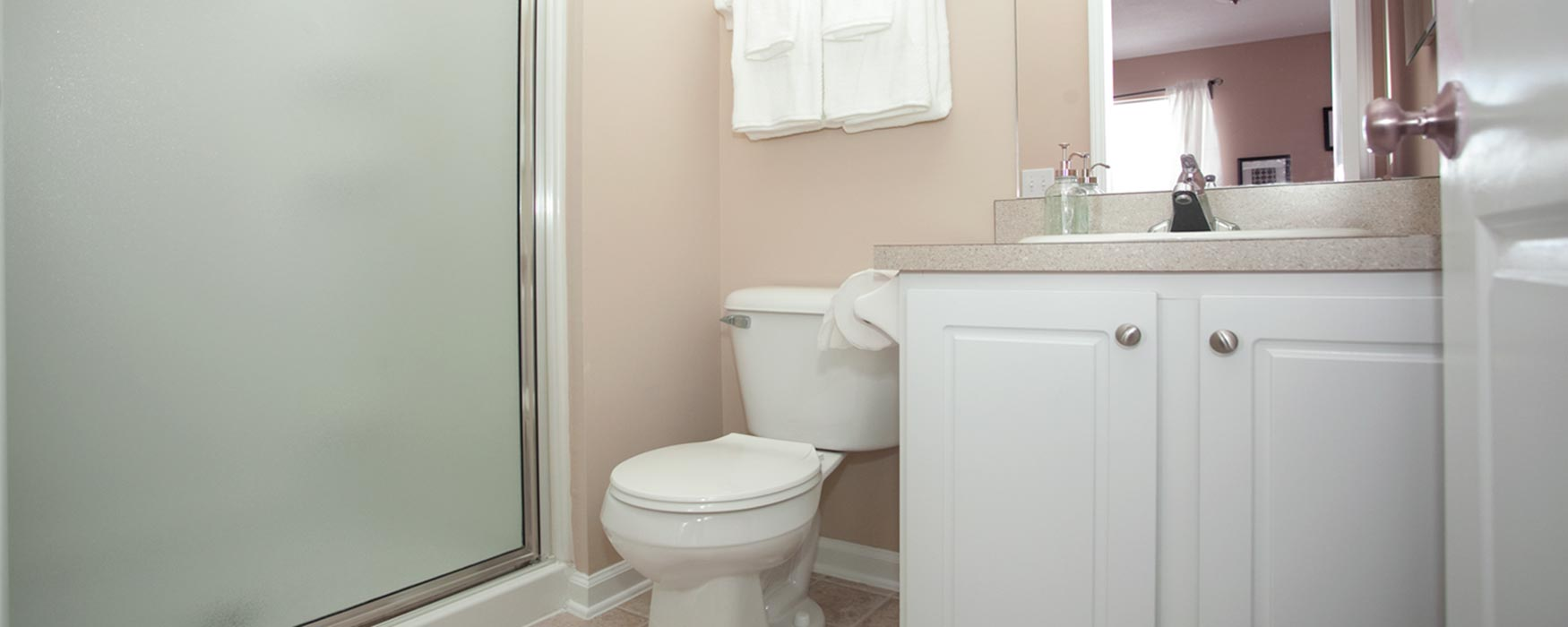 LC Preserve Crossing | Gahanna Apartments | Stansbury Town Bathroom