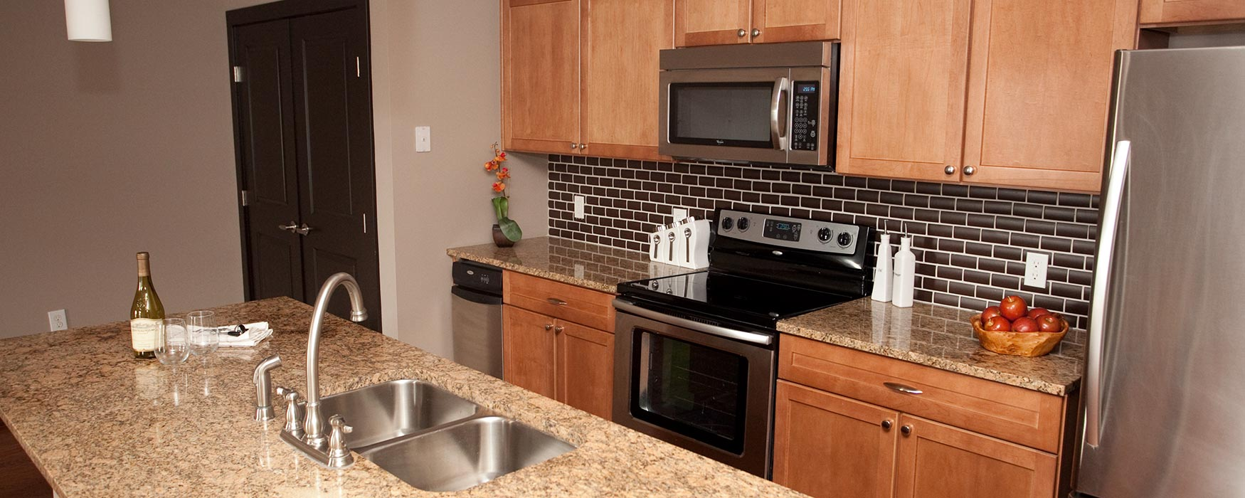 LC Riversouth | Downtown Columbus Apartments | Bristol I Kitchen