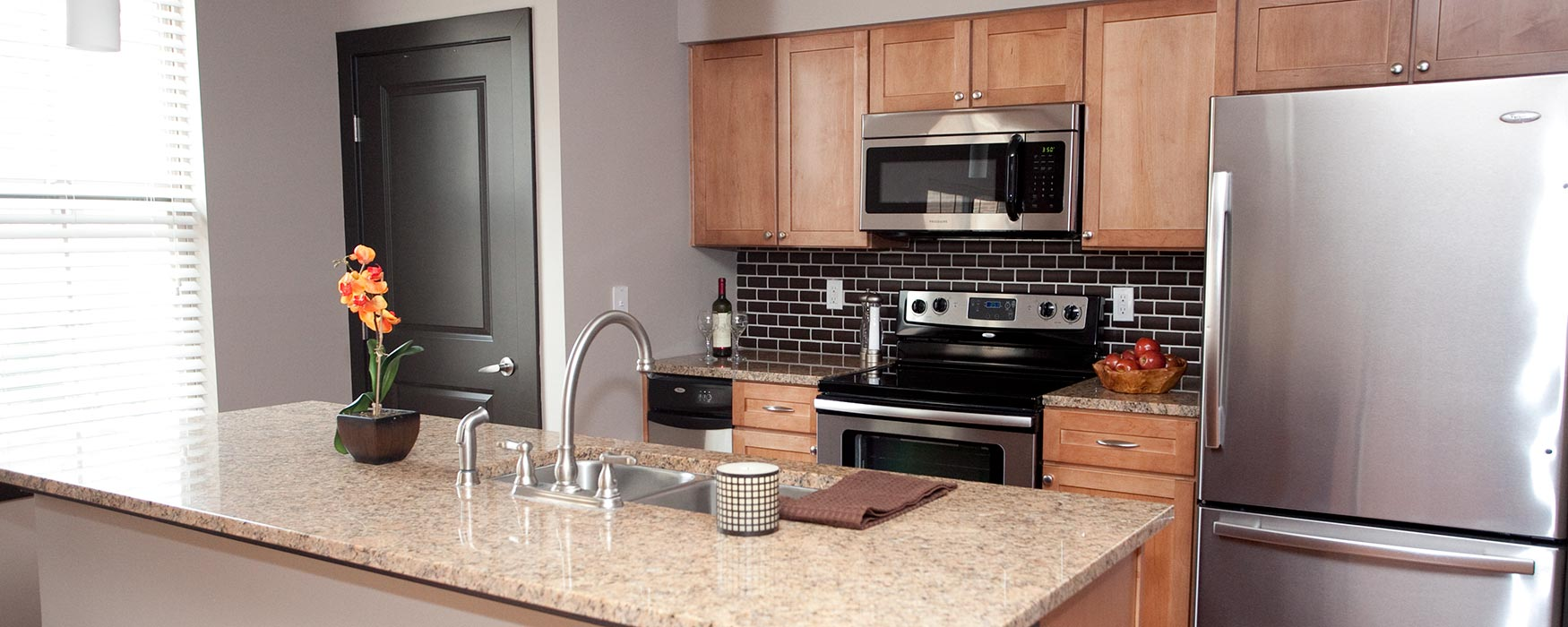 LC Riversouth | Downtown Columbus Apartments | Coventry I Kitchen