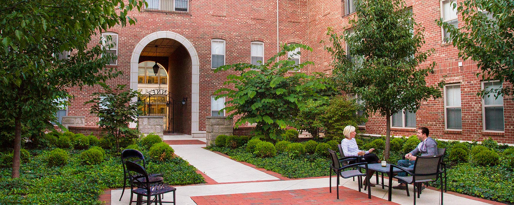 LC RiverSouth | Downtown Columbus Apartments | Courtyard